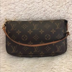 AUTHENTIC Louis Vuitton side bag